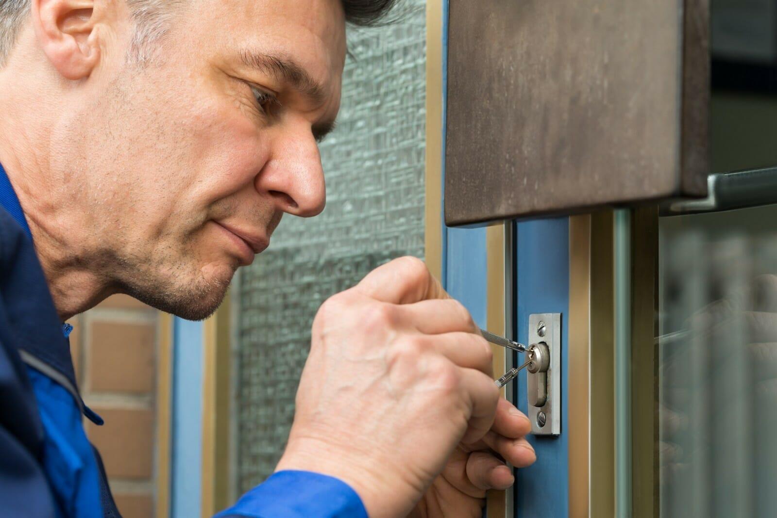 locksmith breaking into house