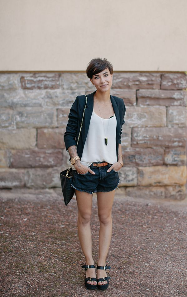 layered outfit short hair 1